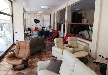Divani verona ceps divani divani in pelle stressless - Ginestri prima casa divani ...